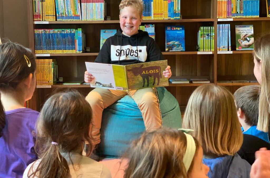 GROSS liest für KLEIN